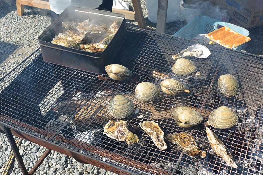 放題 牡蠣 三重 食べ 三重県の牡蠣小屋おすすめ店13選!絶品の浦村かきの食べ放題も<2021> じゃらんニュース